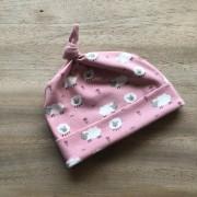 knoopmuts roze met schaapjes